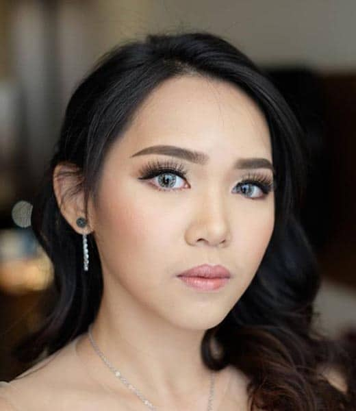 Make Up Wisuda Natural